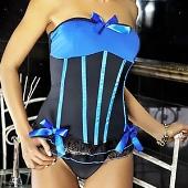 Corsage à jarretelles et string bleu et noir